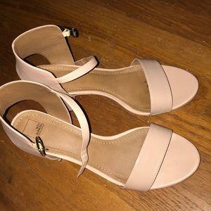 nude/pale pink high heels